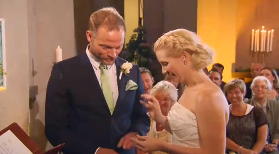 Mathias och Emily är ännu gifta månader efter inspelningen.
