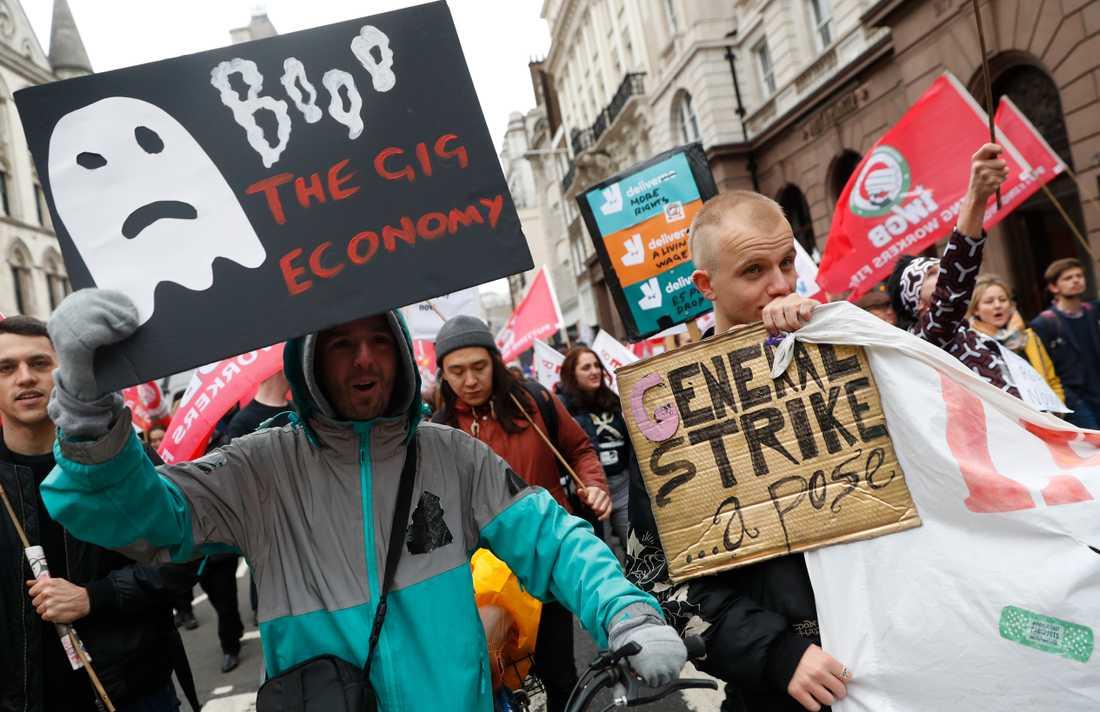 Gigarbetare protesterar i London 2018.