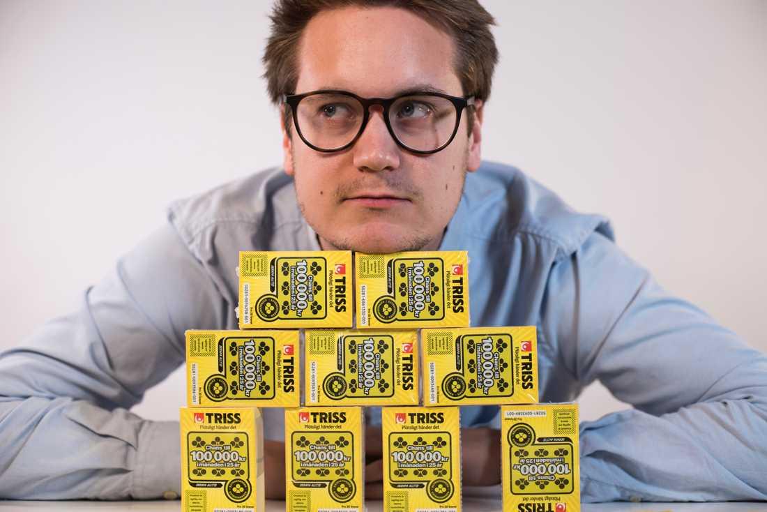 Jakob, 23, har köpt 1 000 triss-lotter.