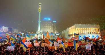 GER INTE UPP Hundratusentals oppositionsanhängare fortsätter, efter en vecka, att protestera i Kiev. Nu hörs förslag om att dela landet.Källa: GETTY IMAGES / ALL OVER PRESS
