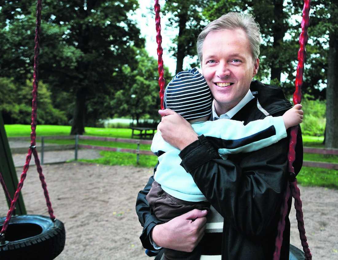 BLIR PAPPA IGEN Försvarsminister Sten Tolgfors, 43, väntar sitt andra barn i vår.