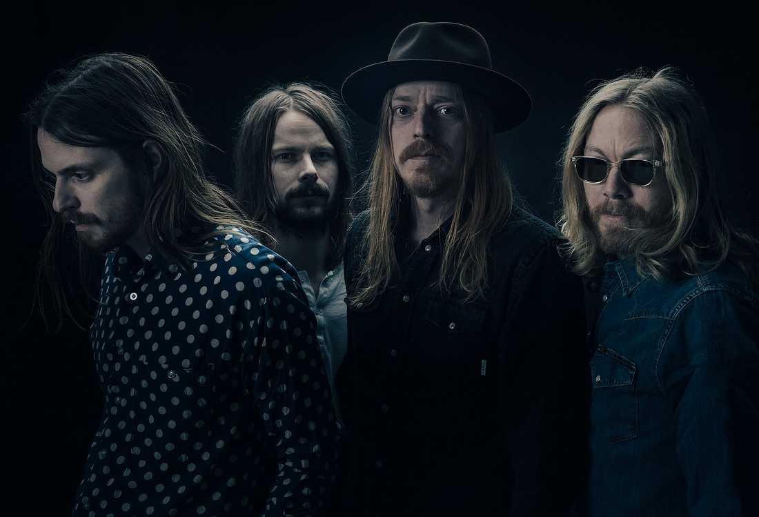 Graveyard är tillbaka. Dock utan originalmedlemmen Axel Sjöberg som har ersatts av Oskar Bergenheim (längst till höger).