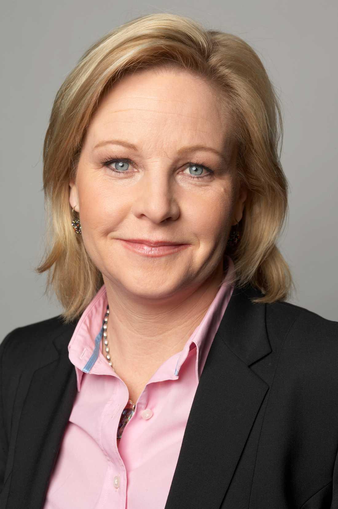 Hillevi Engström, M, arbetsmarknadsminister