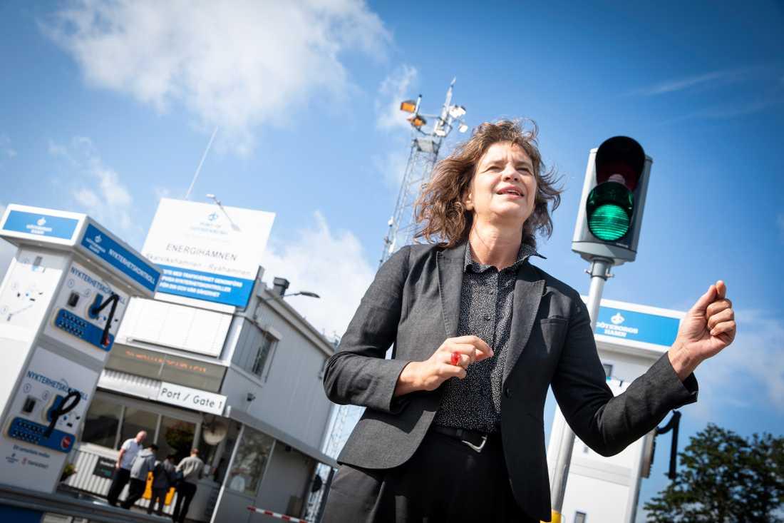 Maria Krafft, trafiksäkerhetsdirektör vid Trafikverket vid invigningen av Göteborgs hamns första alkobom vid Energihamnen.
