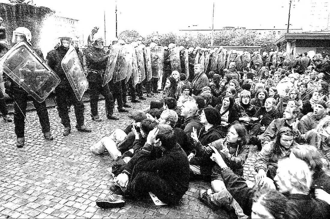 EXTREM MIX Demokratiminister Birgitta Ohlsson likställer Anders Behring Breiviks massmord med kravallerna vid EU-toppmötet i Göteborg 2001.Foto