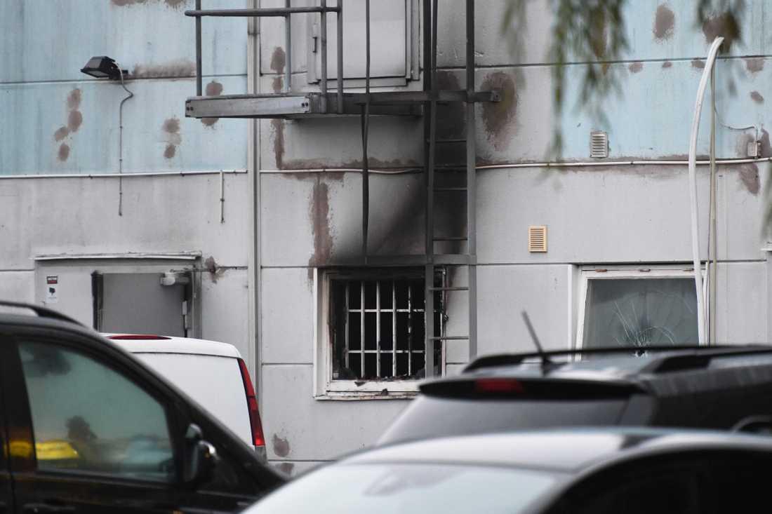 Ett kvarter i Östra hamnen i Malmö spärrades av efter misstanke om explosionsrisk. Larmet till polis och räddningstjänst gällde en brand.