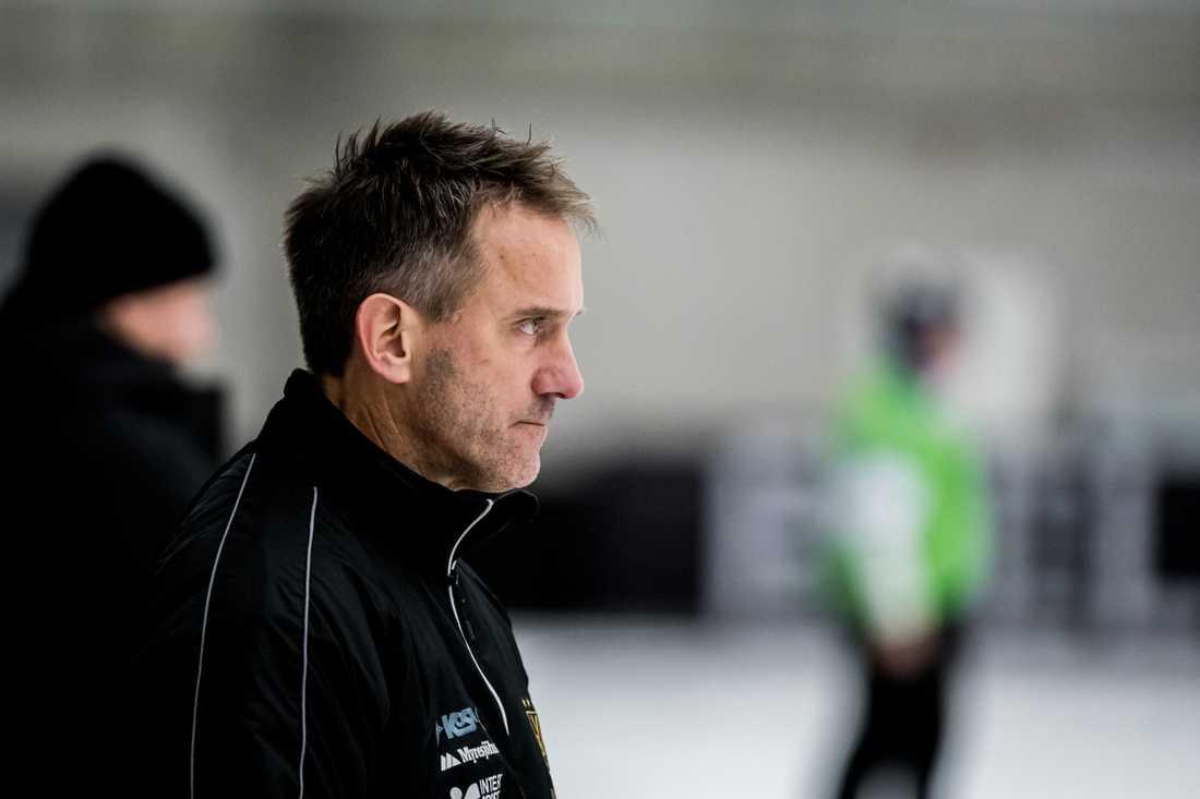 Mattias Rehnholm, tränare i Vetlanda.