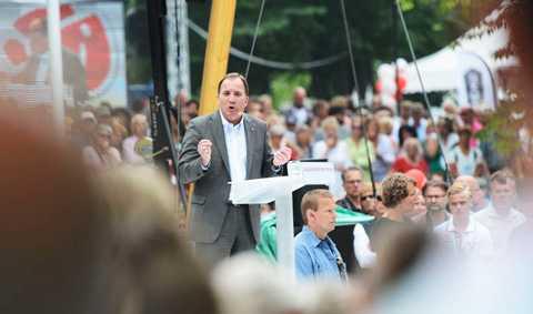 """I sitt första tal i ALmedalen som S-ledare gick han till attack mot Moderaterna. """"Moderaterna väntar på bättre tider, Sverige väntar på en bättre regering,"""" sa Stefan Löfven."""