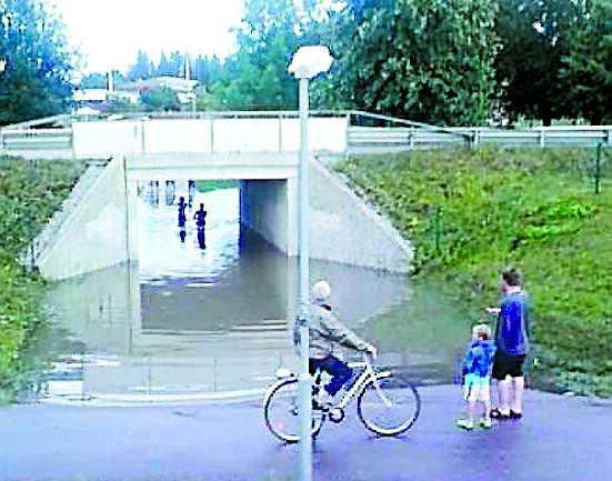 I går, 20.23. Norrtälje fick ta emot stora mängder regn under dagen.