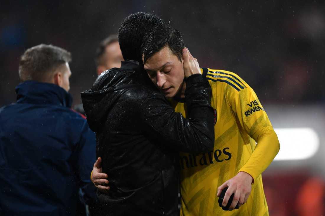 Arteta och Özil.