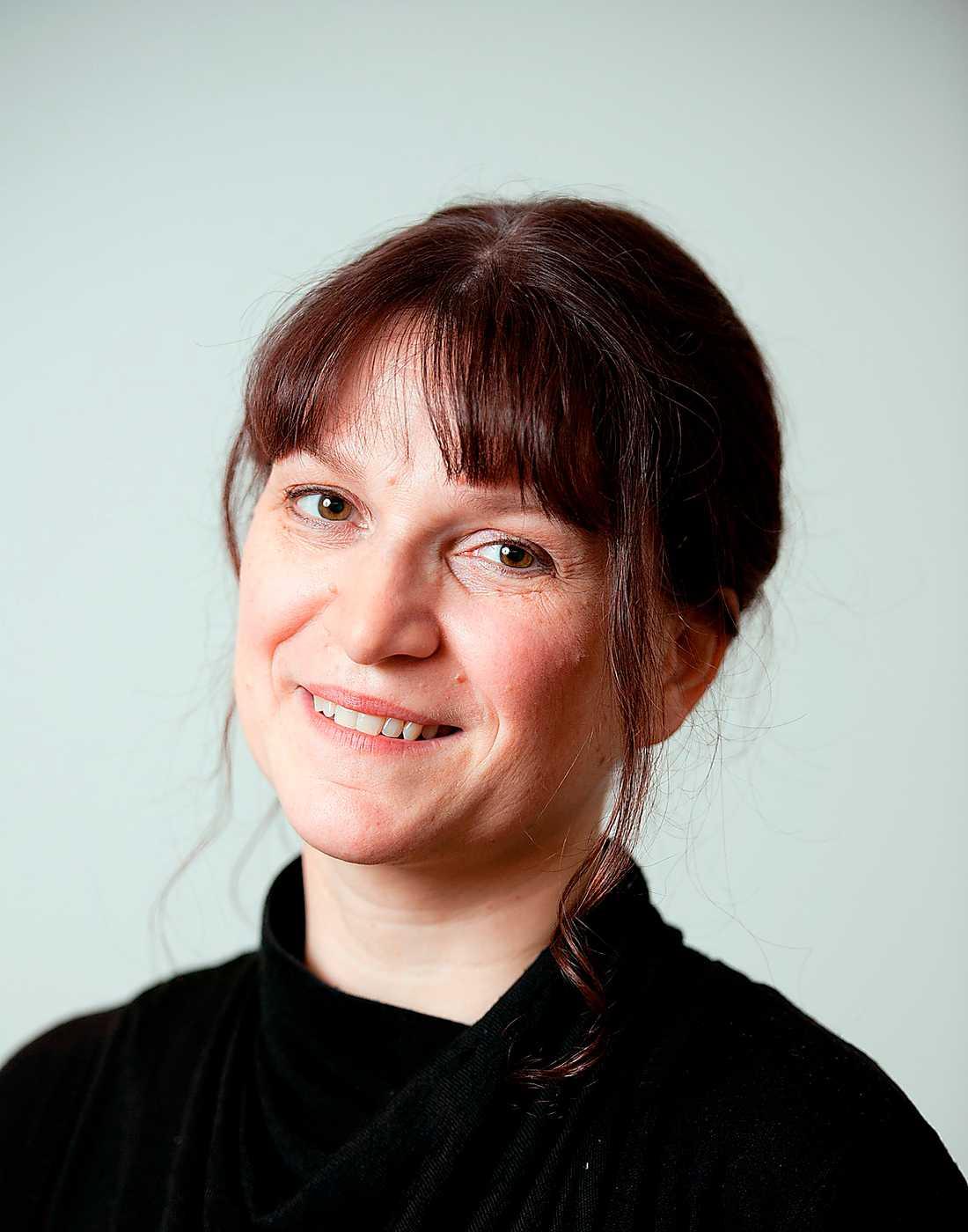 """""""Några scener är bland det starkaste jag läst om övergivna barns utsatthet"""", skriver Anneli Jordahl om norska Merethe Lindströms nya roman."""