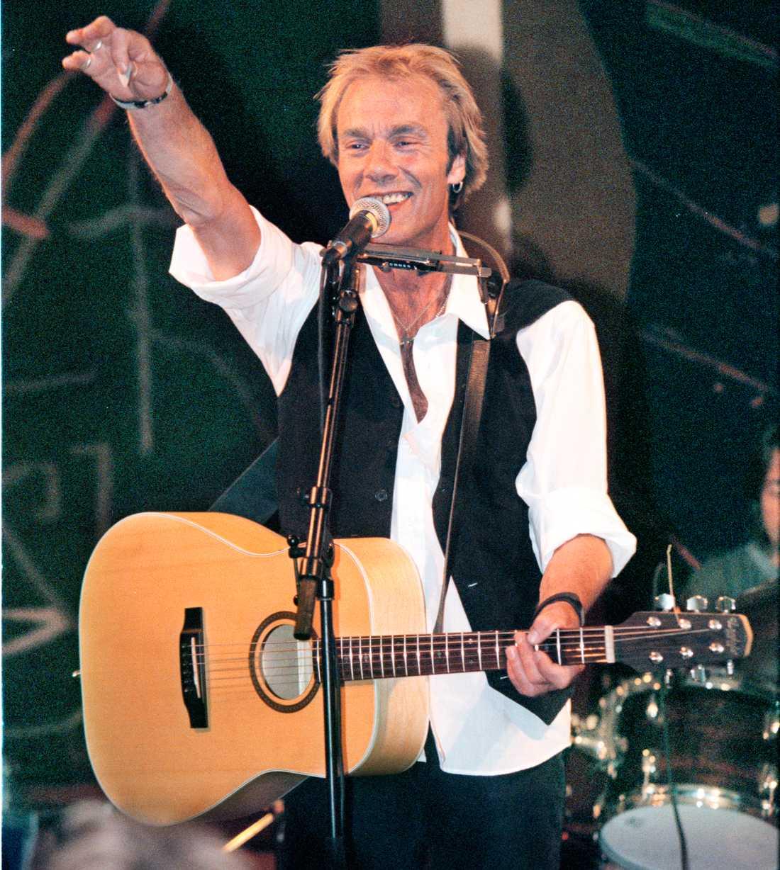 Magnus Lindberg på scen 1999.