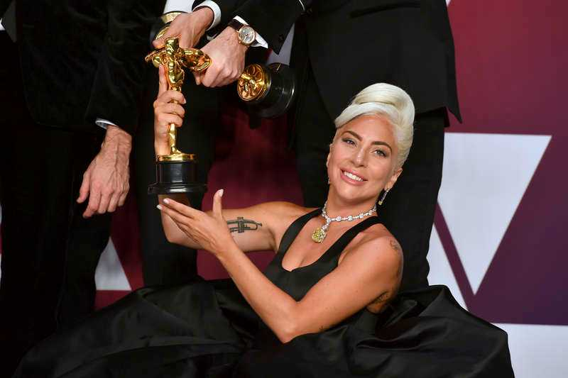 Lady Gaga bar ett halsband värt mångmiljonbelopp.