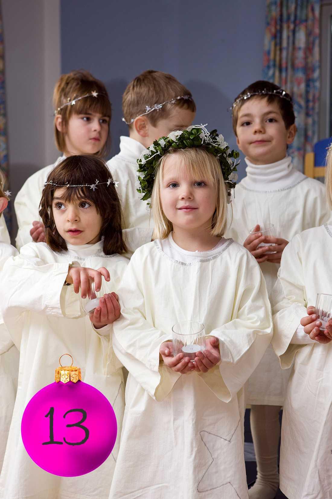 Kristinas tips: Befria lucia Skippa könscementerade luciaroller. Gör som på förskolan, där får barnen klä ut sig hur de vill och det finns obegränsat antal lucior, pepparkakstjärnor och rentärnor!