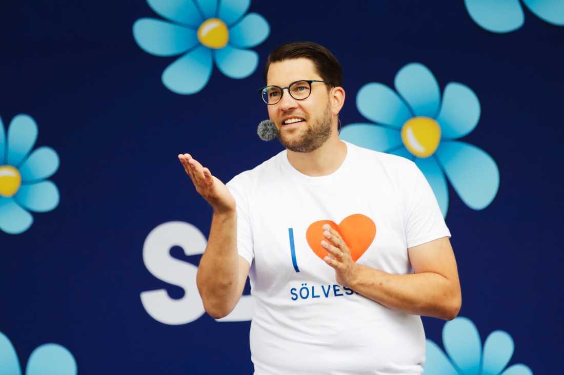 SD-ledaren Jimmie Åkesson känner inte igen Sverige längre, sade han i sitt Almedalstal i Visby.