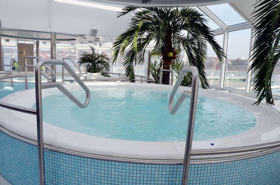 Spa- och relaxavdelningen har byggts om och bland annat fått nya pooler.