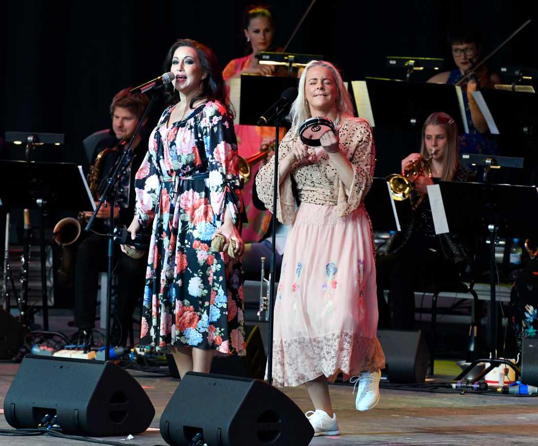 Lisa Nilsson och Malena Ernman på Dalhalla.