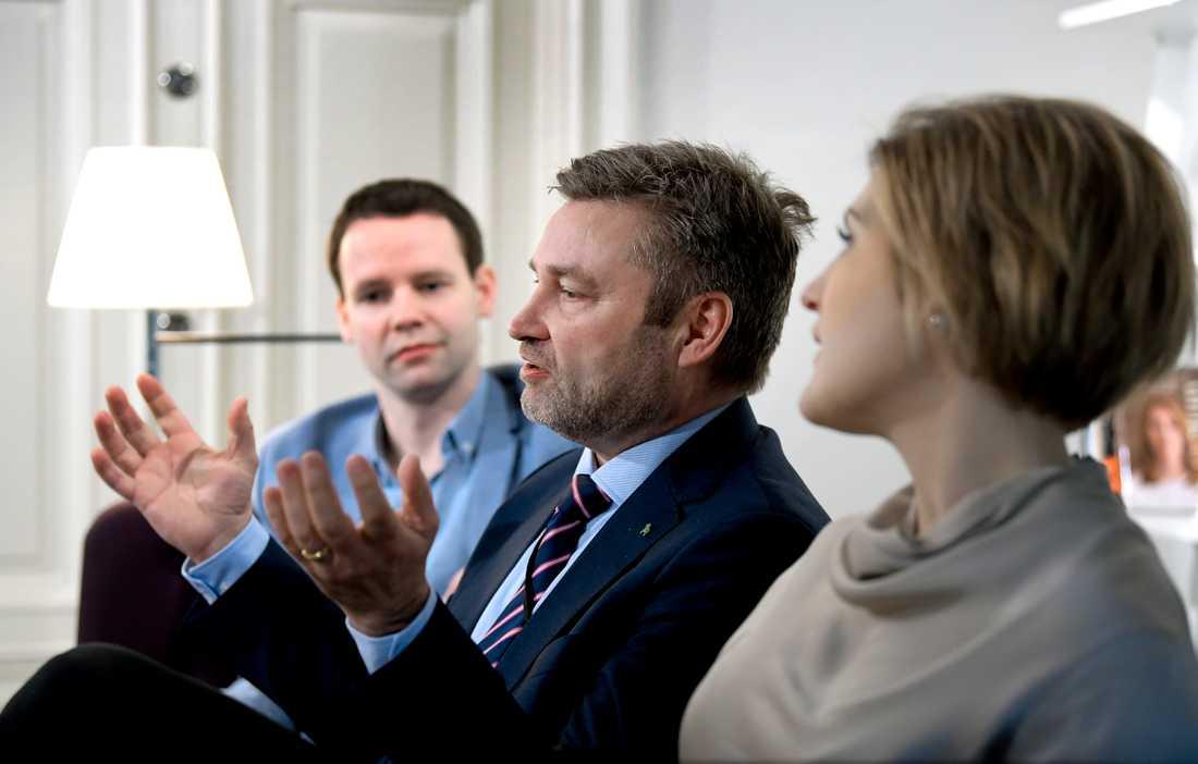 Från vänster, Rickard Nordin, Peter Helander och Sofia Nilsson ska ansvara för miljö/klimat, landsbygd respektive vård/omsorg i de nya politikprogram som ska fram till Centerstämman i höst.