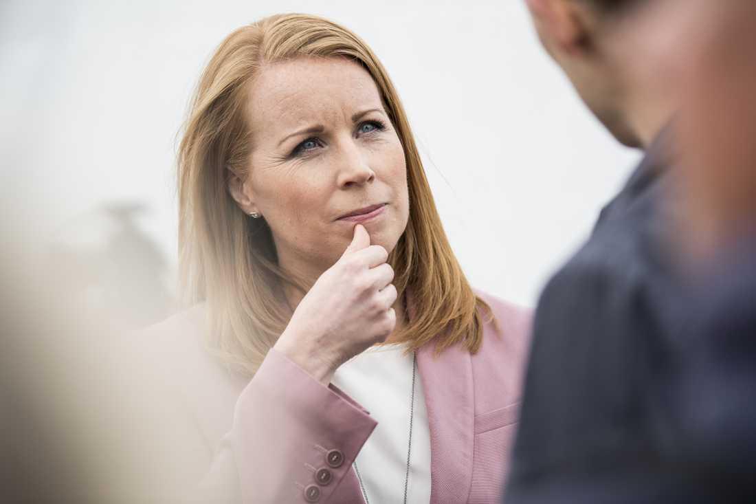 Centerpartiets ledare Annie Lööf, som just nu är  föräldraledig.
