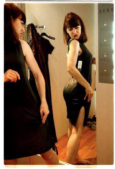 SARA RINGSTRöm Med rätt belysning ser du dig själv   och kläderna   i ett nytt ljus.