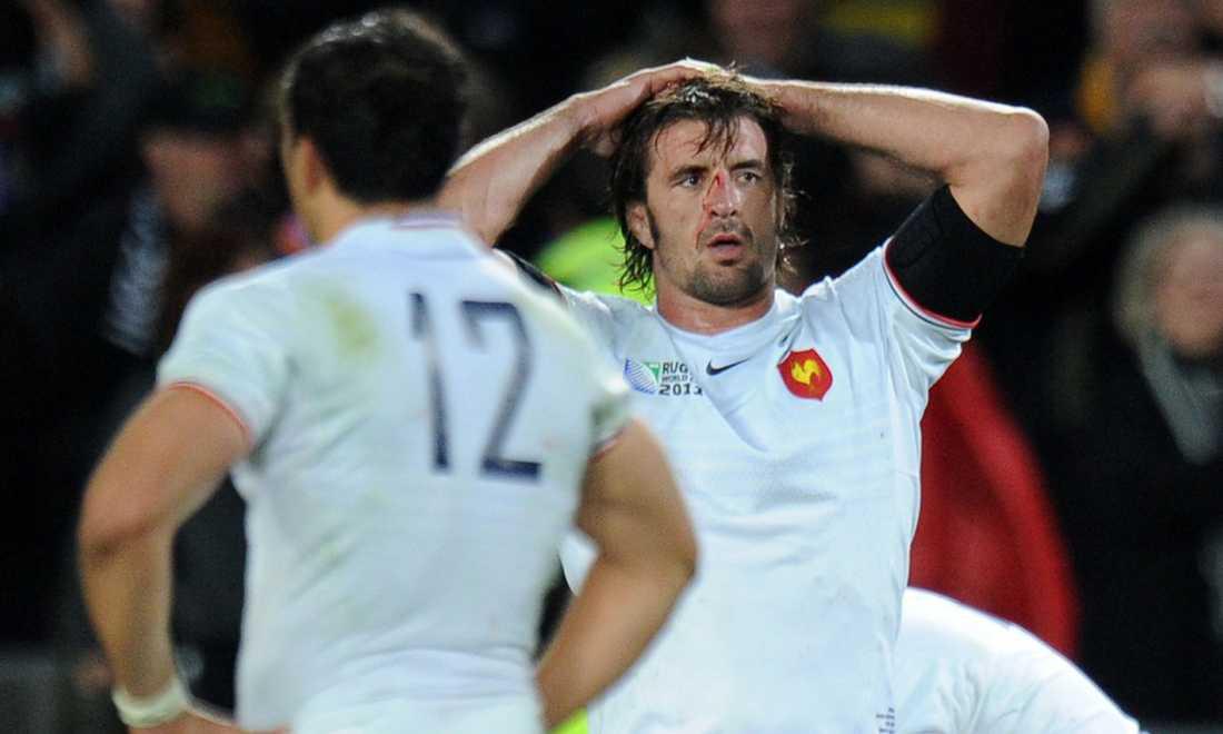 De franska spelarna stångades sig blodiga. Men det hjälpte inte.