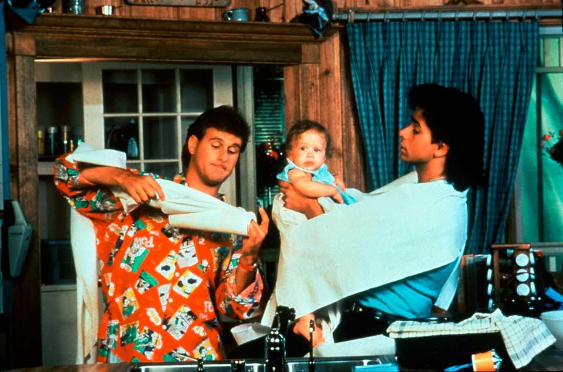 John Stamos, David Coulier och Olsen-tvilling.
