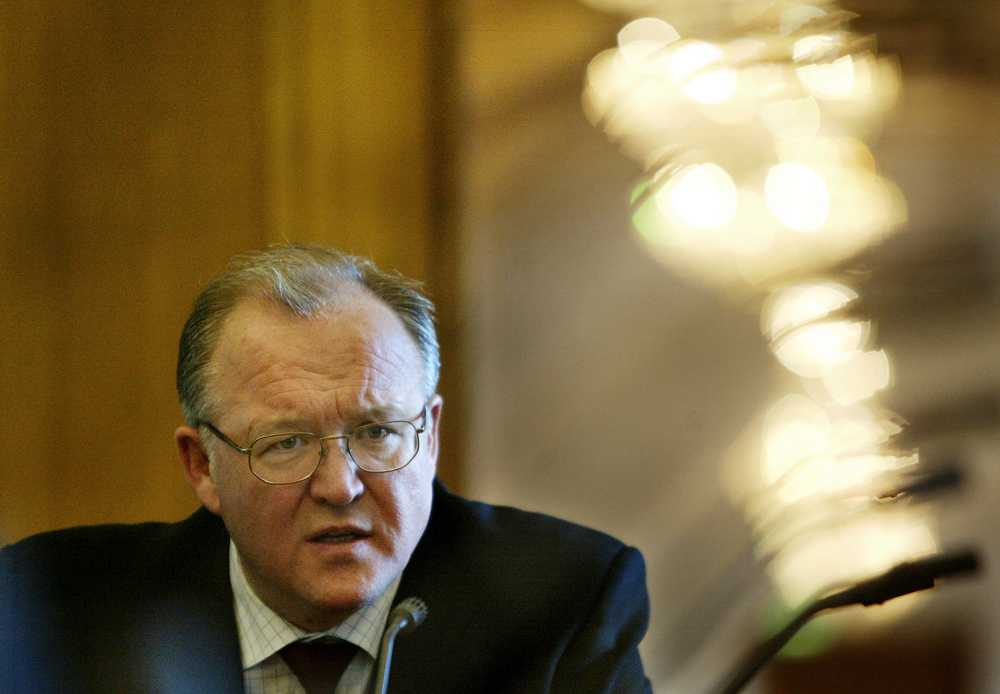 Dåvarande statsminister Göran Persson (S) fördömde USA:s anfall mot Irak –samtidigt gav den svenska underrättelsetjänsten information om svenskbyggda bunkrar i Bagdad.