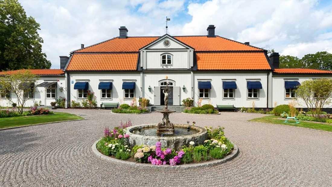 I Örsundsbro utanför Uppsala finns Hemnets just nu dyraste objekt. En herrgård från 1700-talet.