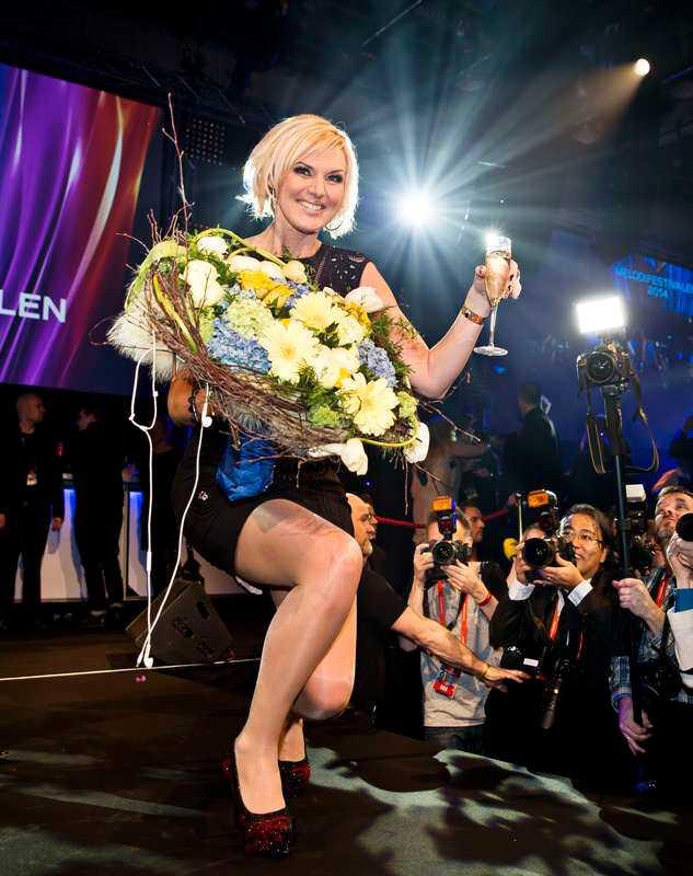 Benar ut sin nya look Under andra deltävlingen i Linköping bar Sanna Nielsen den svarta byxdressen för första gången i sitt nummer. I Eurovision kommer hon att visa benen mer – liksom hon gjorde på festen i Stockholm efter att ha vunnit Melodifestivalen.