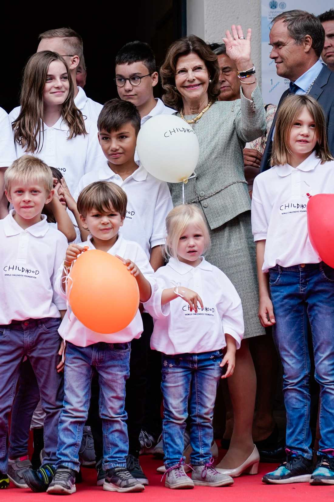 Silvia medverkade vid invigningen av ett Childhood-hus för utsatta barn.