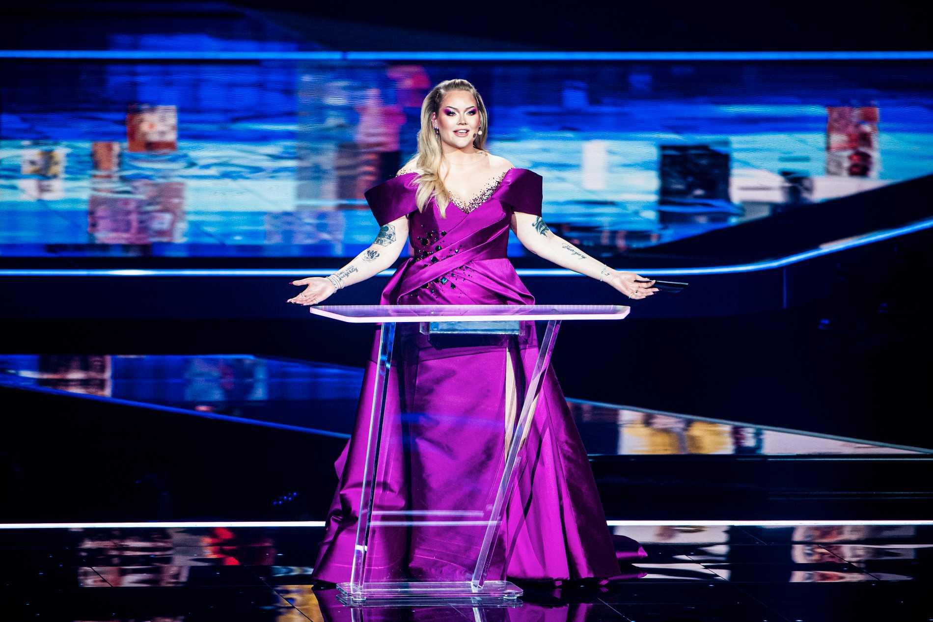 Nikkie de Jager under genrepet av finalen i Eurovision song contest.