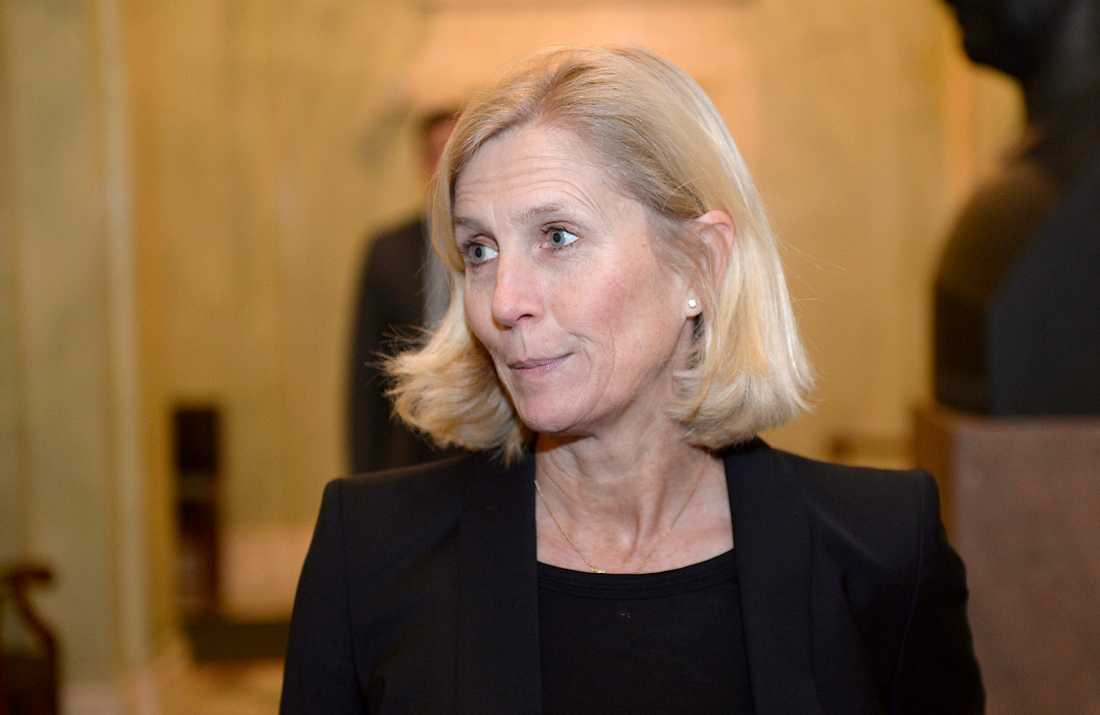 Isabella Hökmark (M).