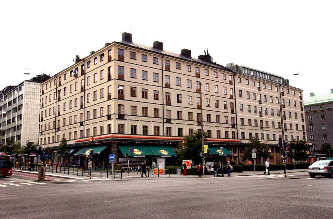 Här, på Sveavägen 77 i Stockholm, bor flera i fackförbundet Kommunals ledning.