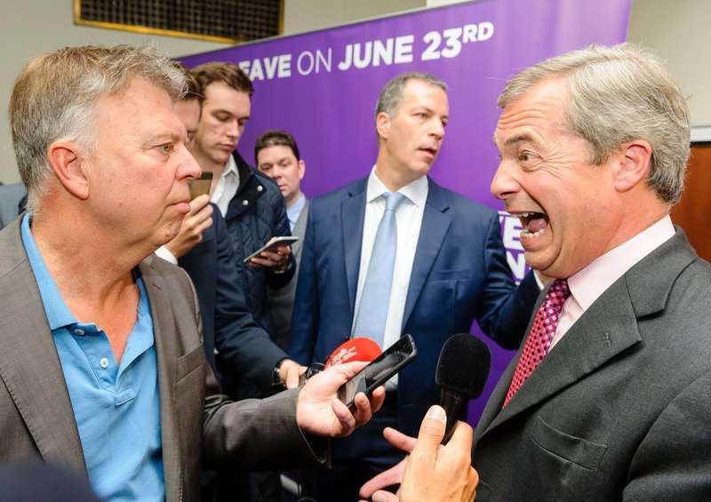 FÖR EXTREM FÖR LÄMNA-LAGET Det finns röster som hävdar att Ukip-ledaren Nigel Farage är stanna-sidans hemliga vapen, något han själv fnyser irriterat åt på ett kampanjmöte i London som Aftonbladet besöker.