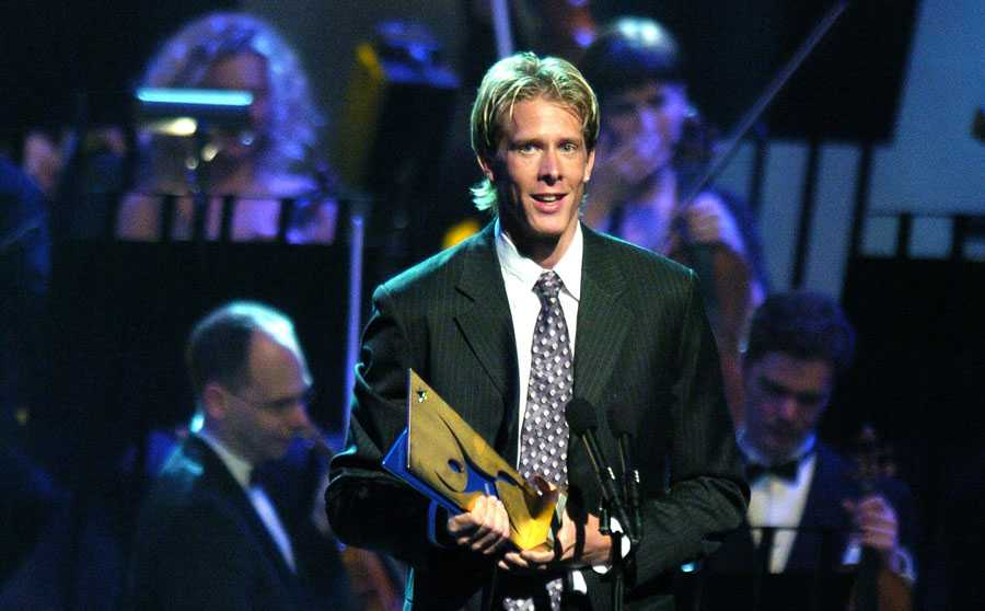 IDROTTSGALAN 2004 Christian Olsson tilldelades priset som årets manliga idrottare på idrottsgalan i Globen, januari 2004.