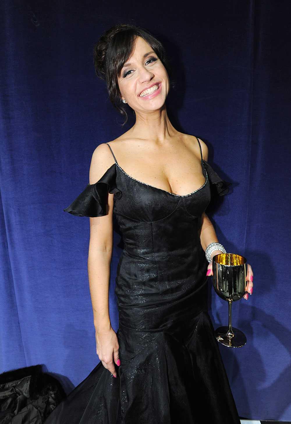 Mede var programledare för Guldbaggegalan 2011 och 2012.