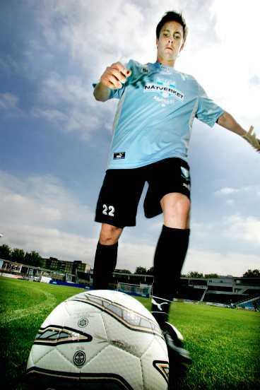 sparkar ut Danske Jesper Bech blir enligt Malmö FF:s sportchef en riktig attraktion i allsvenskan. Tillsammans med hemvändaren Anders Andersson ska de se till att Malmö kommer ut på kontinenten.
