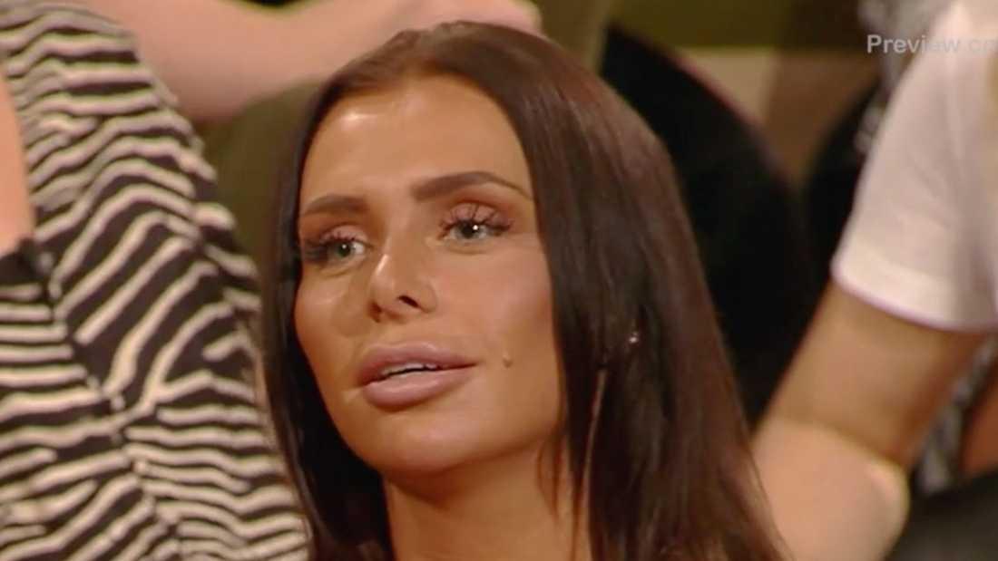 "Paula Moczek i ""Bachelor – tjejerna avslöjar allt""."