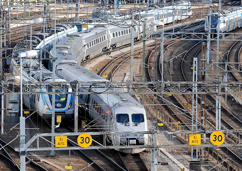 Tågkaoset i Sverige är resultatet av lång vanskötsel. Brist på investeringar och underhåll har pågått i årtionden. Orsaken stavas politisk ovilja.
