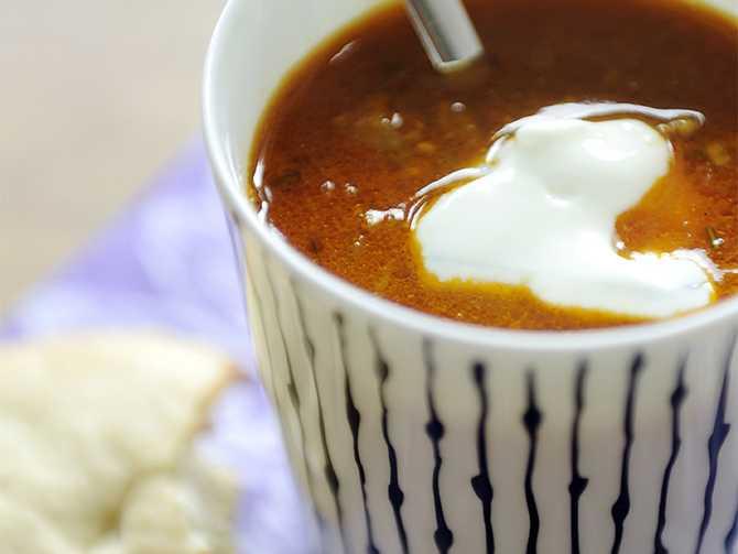 Indisk soppa gjord på köttfärssåsen från middagen.