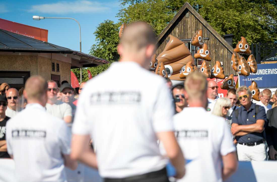 """20–30 personer heilade och skrek """"Sieg heil"""" i Almedalsområdet i Visby."""