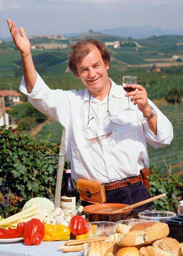 """Keith Floyds tv-program var alltid populära i Sverige. Här i en scen från """"Floyds gastronomiska äventyr"""". Foto: VIASAT"""