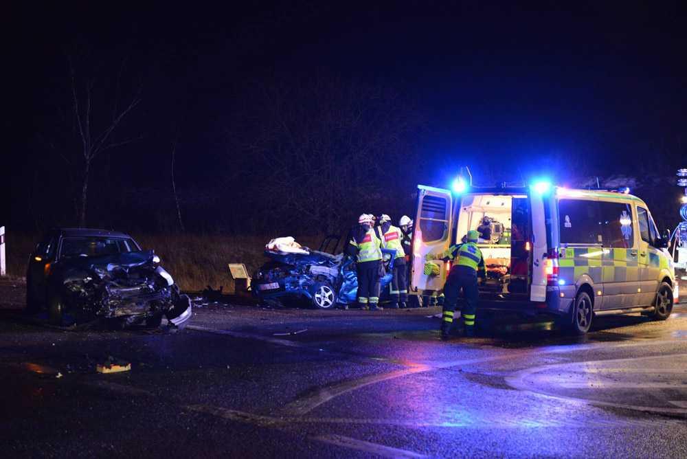 Två bilar krockade i Åstorp i morse. En person blev allvarligt skadad och fördes till sjukhus.