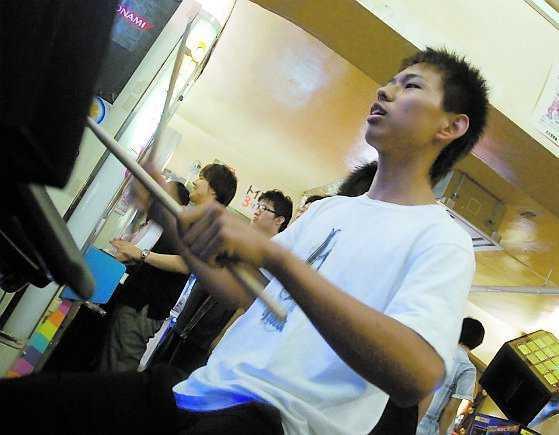 """""""Jag kommer spela tills jag är 28–29, för efter det blir det svårt med fysiken, man orkar inte röra sig så mycket"""", säger Okubo Noayumi, 17."""