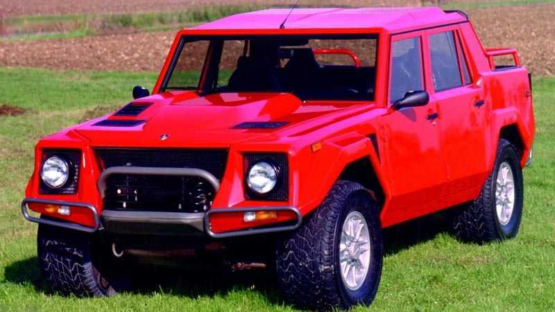 Lamborghinis senaste offroad-modell, LM002, var påfallande lik en Hummer och byggdes bara i 301 exemplar.