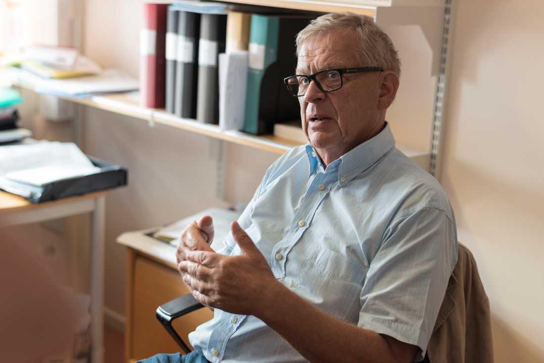 """""""Det kräver både kompetens och en noggrannhet för att kunna ställa en  demensdiagnos. Det är inga patienter man tar på två minuter"""", säger Bengt Winblad, professor i geriatrik vid Karolinska institutet."""