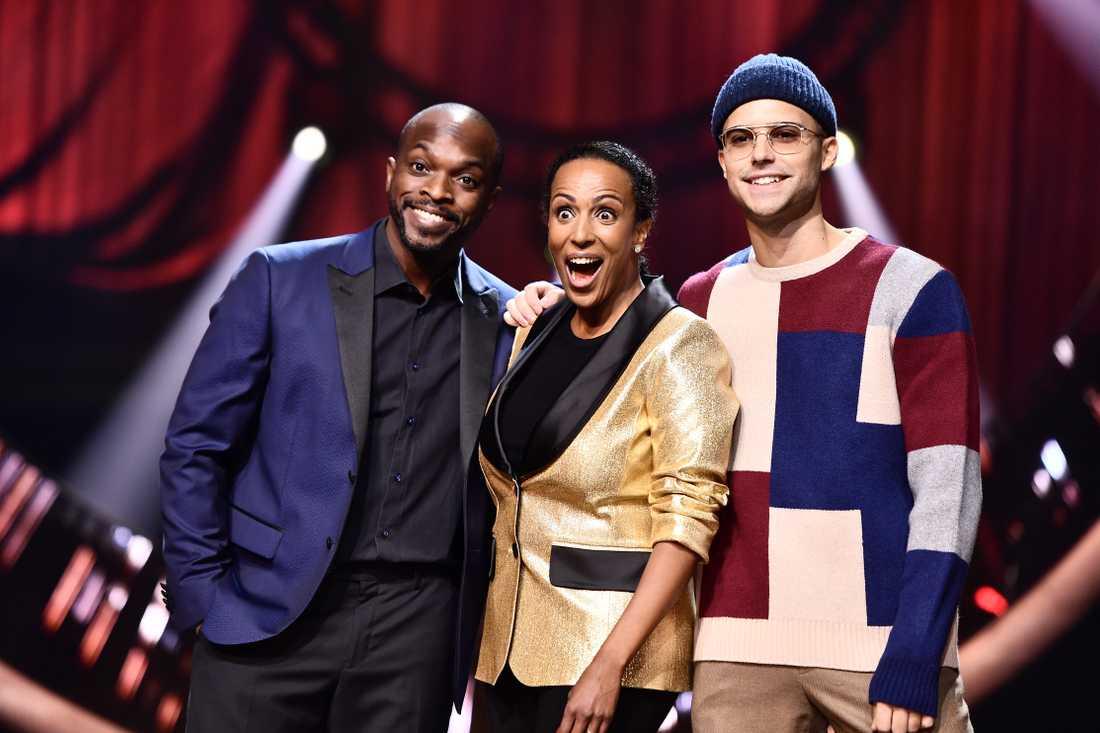 Eric Saade längst till höger tillsammans med programledarkollegorna Kodjo Akolor och Marika Carlsson inför Melodifestivalens deltävling i Leksand 2019.