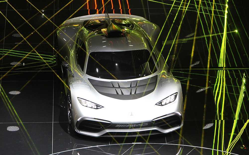 Mercedes AMG Project One med teknik från formel 1-bilen.