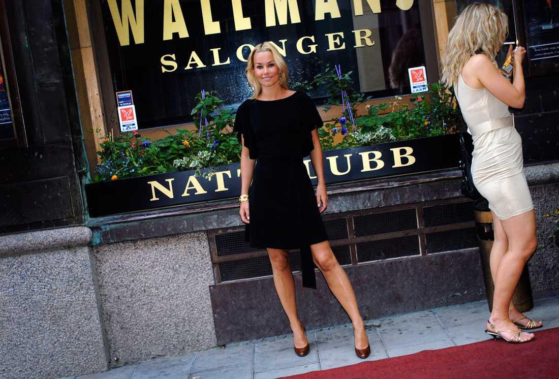 Många är de svenska artister som påbörjat sin karriär på Wallmans salonger, Linda Bengtzing är en av dem. Här på Wallmans sommarfest 2007.