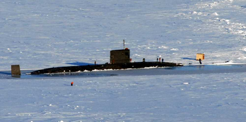 Brittiska ubåten HMS Tireless har kallats in i sökandet